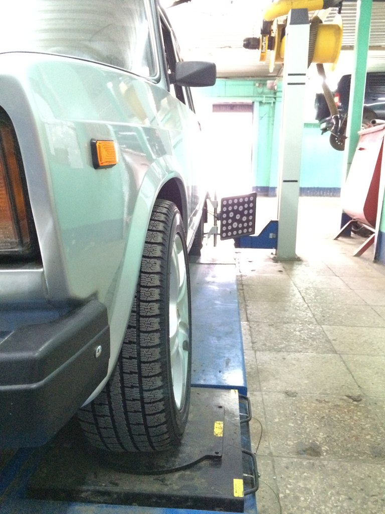 Рычаги передней подвески Дрифт: при максимальном вывороте – приемлемые развал колёс  и колея