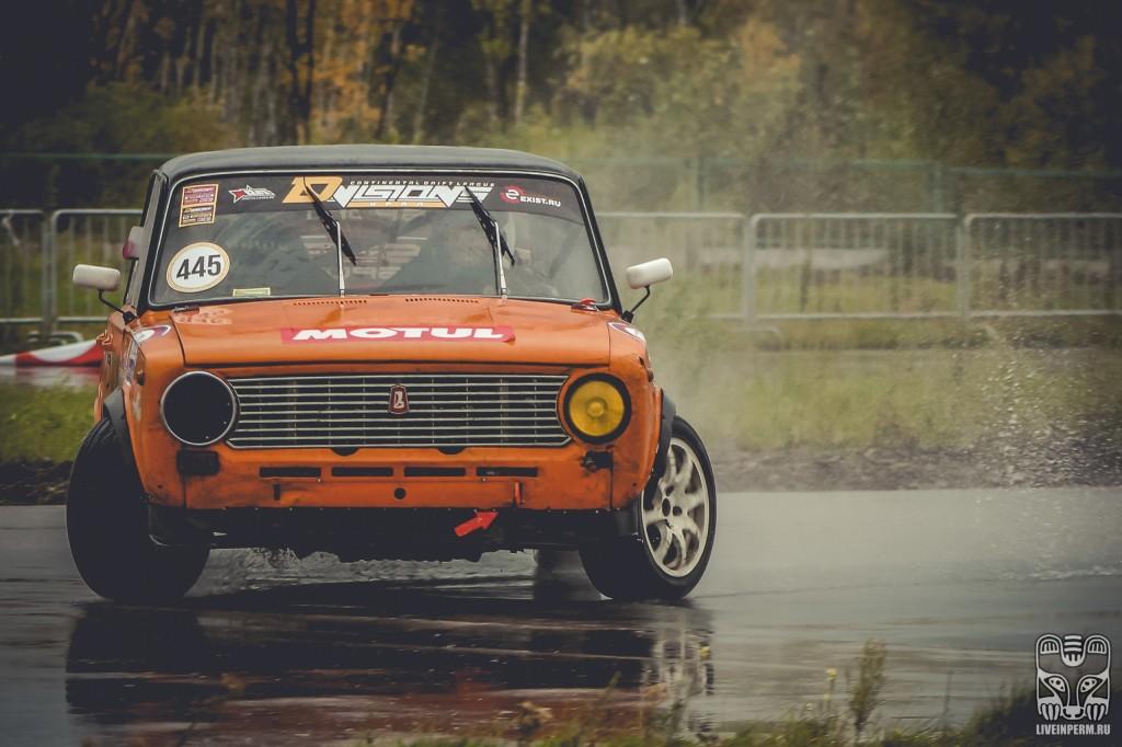 В Перми под дождём прошёл III этап чемпионата Урала по дрифту